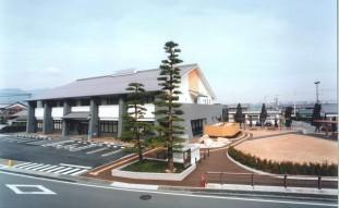 菰野町菰野地区コミュニティセンター